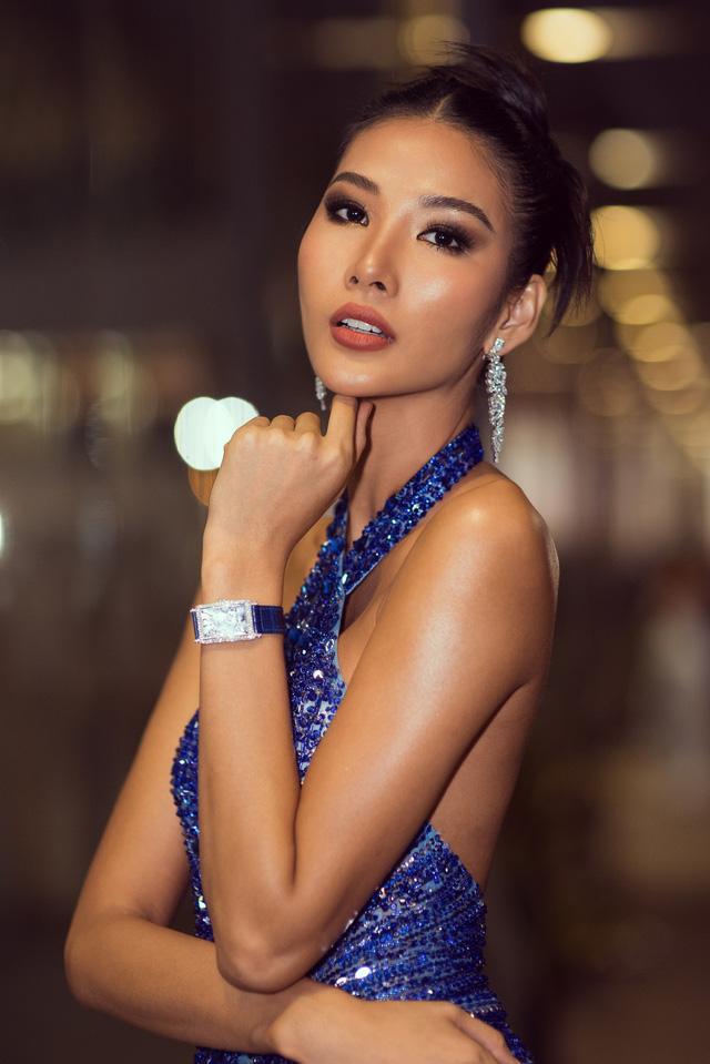 Á hậu Hoàng Thùy đẹp rạng ngời trên thảm đỏ WeChoice Awards 2019 - Ảnh 6.