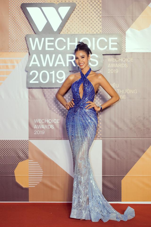 Á hậu Hoàng Thùy đẹp rạng ngời trên thảm đỏ WeChoice Awards 2019 - Ảnh 5.