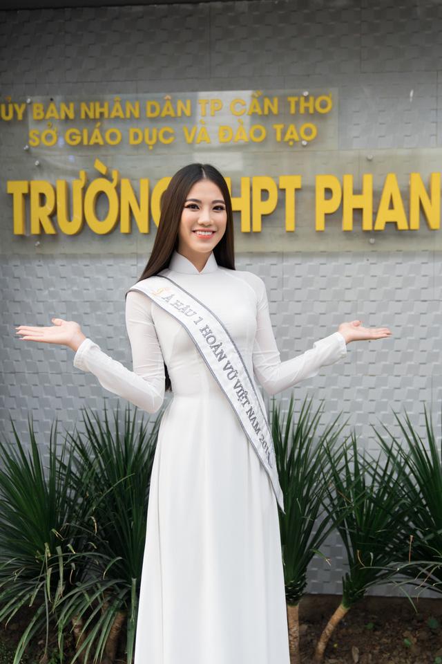 Á hậu Kim Duyên trao tặng 80 triệu đồng cho học sinh, sinh viên tại Cần Thơ - Ảnh 5.
