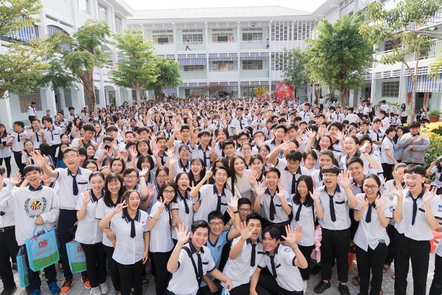 Á hậu Kim Duyên trao tặng 80 triệu đồng cho học sinh, sinh viên tại Cần Thơ - Ảnh 6.