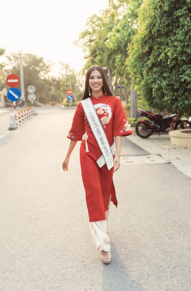 Á hậu Kim Duyên trao tặng 80 triệu đồng cho học sinh, sinh viên tại Cần Thơ - Ảnh 10.