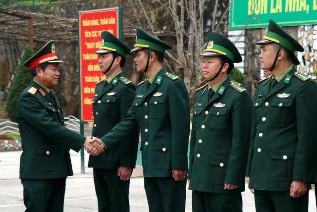 Phó Chủ tịch Quốc hội Đỗ Bá Tỵ thăm, chúc Tết tại tỉnh Lào Cai - Ảnh 1.