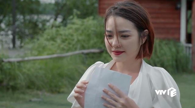 Tiệm ăn dì ghẻ - Tập 17: Từ ngôi sao nổi tiếng, Kim cay đắng nhận vai quần chúng, bị đánh ghen bầm dập - Ảnh 3.