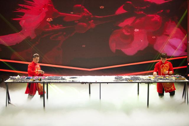 Hai nghệ nhân tò he Xuân Tung – Xuân Tùng được xác lập kỉ lục Việt Nam - Ảnh 3.