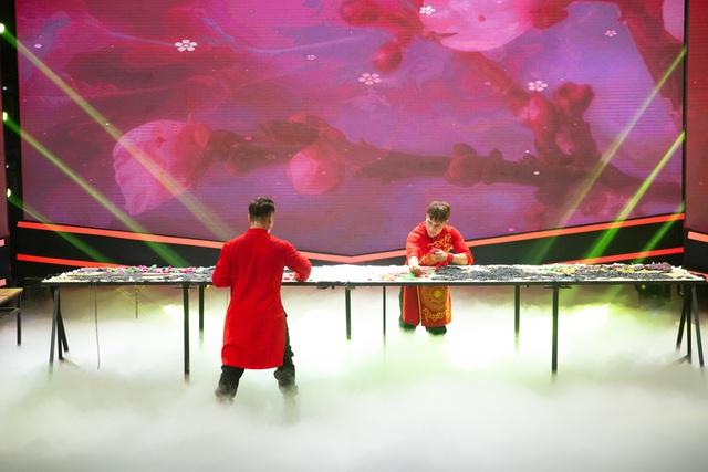 Hai nghệ nhân tò he Xuân Tung – Xuân Tùng được xác lập kỉ lục Việt Nam - Ảnh 2.