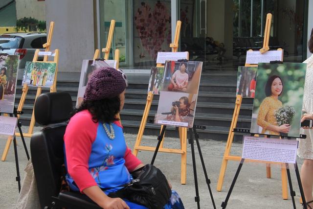 Người khuyết tật cùng sinh viên chống nạn bạo lực tình dục - Ảnh 1.