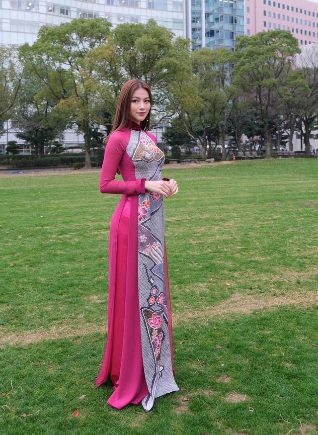 Hoa hậu Phương Khánh diện áo dài catwalk cùng diễn viên Tuấn Tú - Ảnh 5.