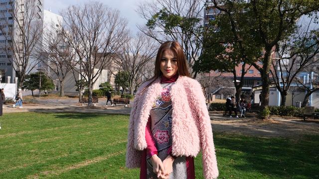 Hoa hậu Phương Khánh diện áo dài catwalk cùng diễn viên Tuấn Tú - Ảnh 11.