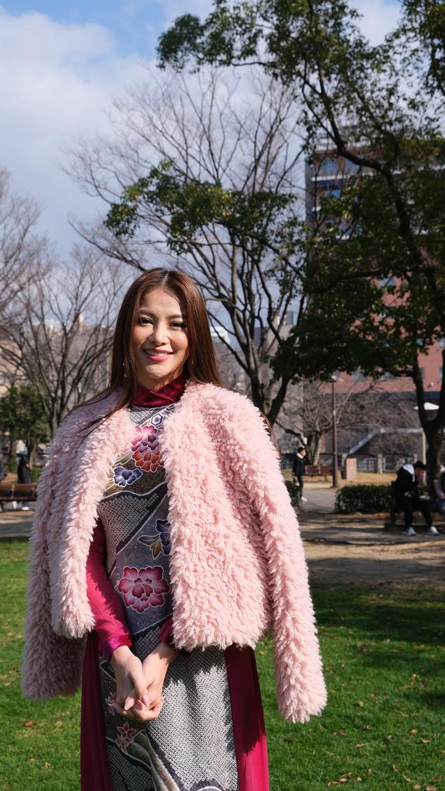 Hoa hậu Phương Khánh diện áo dài catwalk cùng diễn viên Tuấn Tú - Ảnh 12.