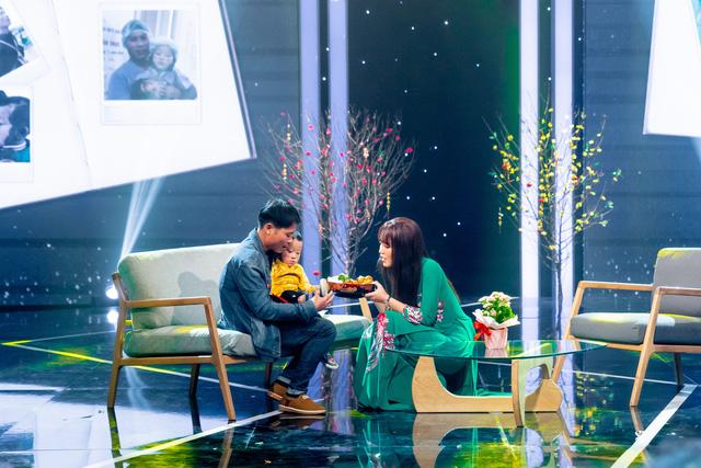 NSND Lan Hương, Bảo Thanh và dàn nghệ sĩ rơi nước mắt tại Gala Việc tử tế 2020 - Ảnh 2.
