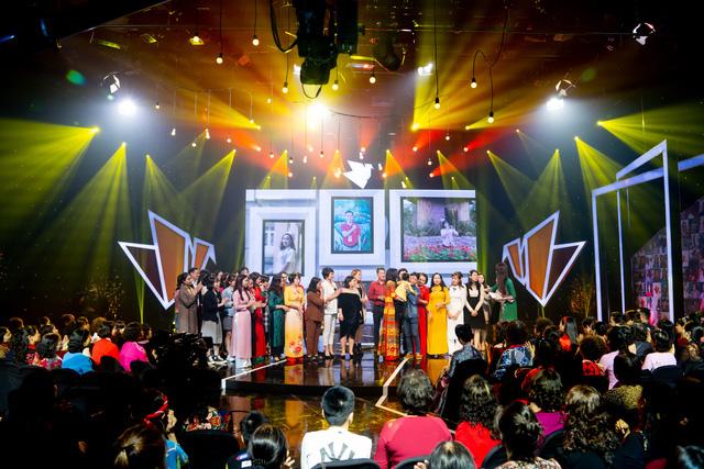 NSND Lan Hương, Bảo Thanh và dàn nghệ sĩ rơi nước mắt tại Gala Việc tử tế 2020 - Ảnh 14.