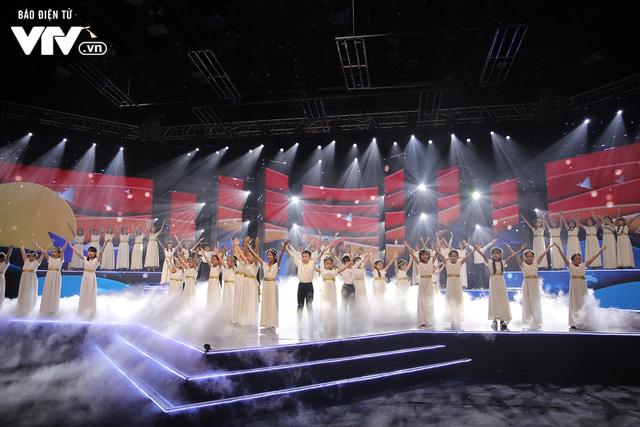 Phương Vy hòa giọng cùng dàn thiên thần nhí trong Đón Tết cùng VTV 2020 - Ảnh 3.