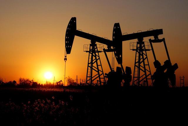 Giá dầu tăng hơn 2% khi dự trữ dầu thô của Mỹ tiếp tục giảm - Ảnh 1.