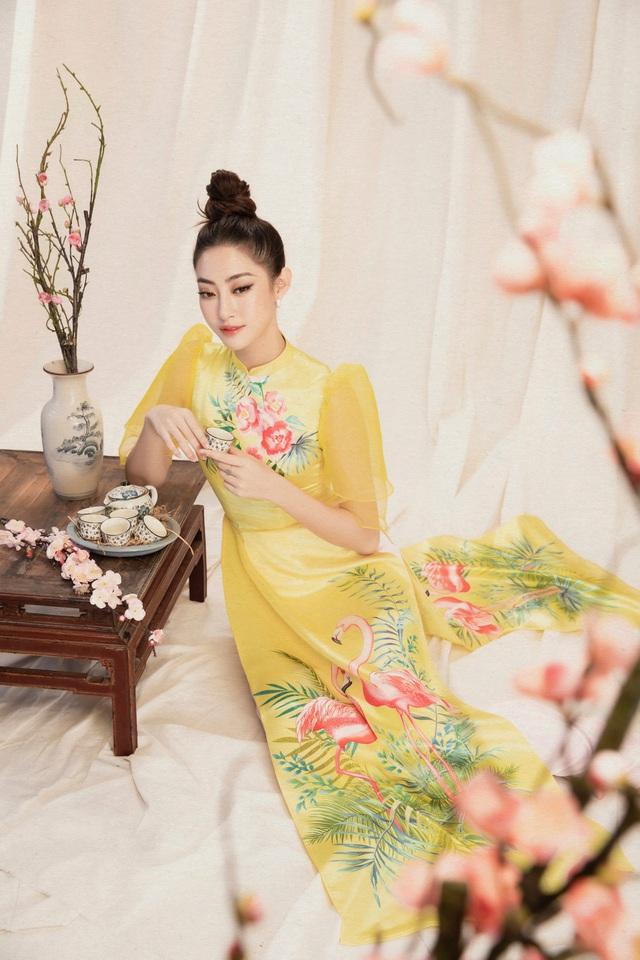 Lương Thùy Linh đẹp say lòng người với bộ ảnh áo dài Tết - ảnh 7