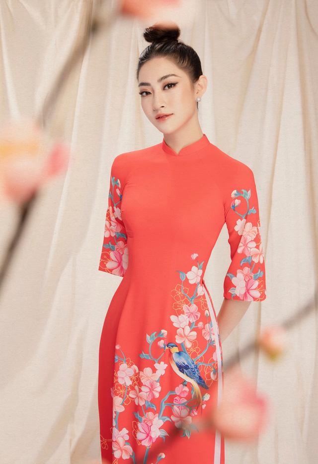 Lương Thùy Linh đẹp say lòng người với bộ ảnh áo dài Tết - ảnh 4