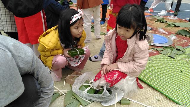 Vui Tất niên - Hồn nhiên đón Tết đậm bản sắc Việt cùng học sinh Hà Nội - Ảnh 13.