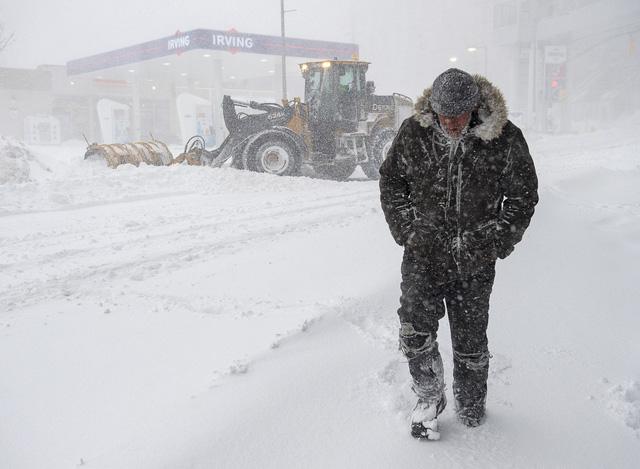 Bão tuyết nghiêm trọng tại Canada - Ảnh 1.