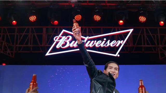 Budweiser cùng BB Trần tung show hài độc thoại, khuấy động không khí mùa Tết - Ảnh 4.