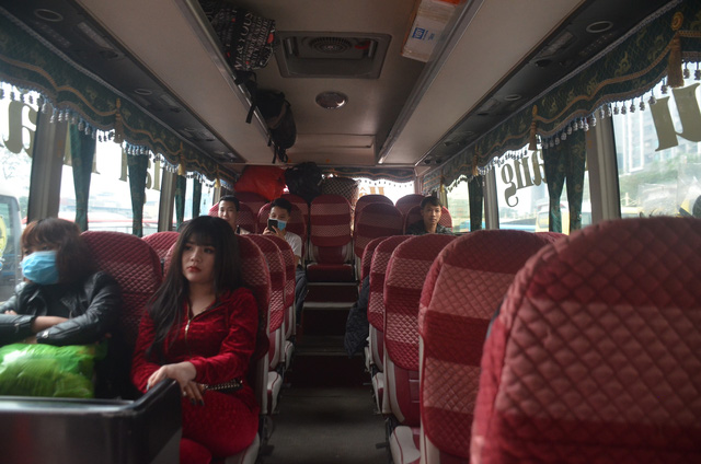 Bến xe thông thoáng, người dân thảnh thơi về quê ăn Tết Canh Tý 2020 - ảnh 9