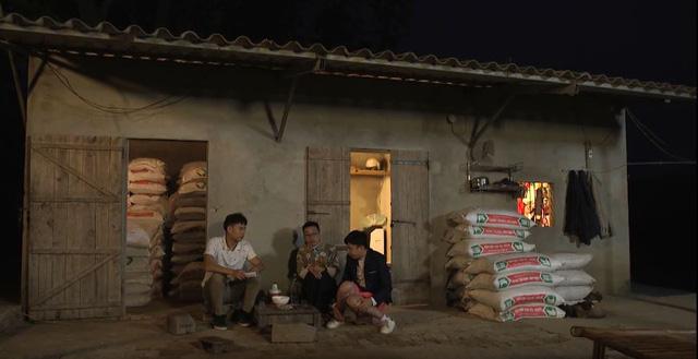 Phim hài Ba chàng ngốc – Tiếng cười từ các vấn đề thời sự - Ảnh 1.