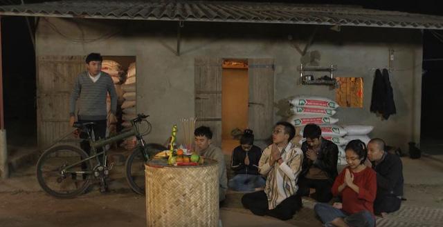 Phim hài Ba chàng ngốc – Tiếng cười từ các vấn đề thời sự - Ảnh 3.
