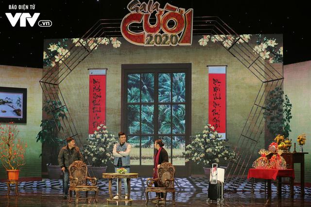 Gala cười 2020: Con trai Việt kiều bất ngờ về ăn Tết, Hồng Vân không kịp trở tay - Ảnh 4.