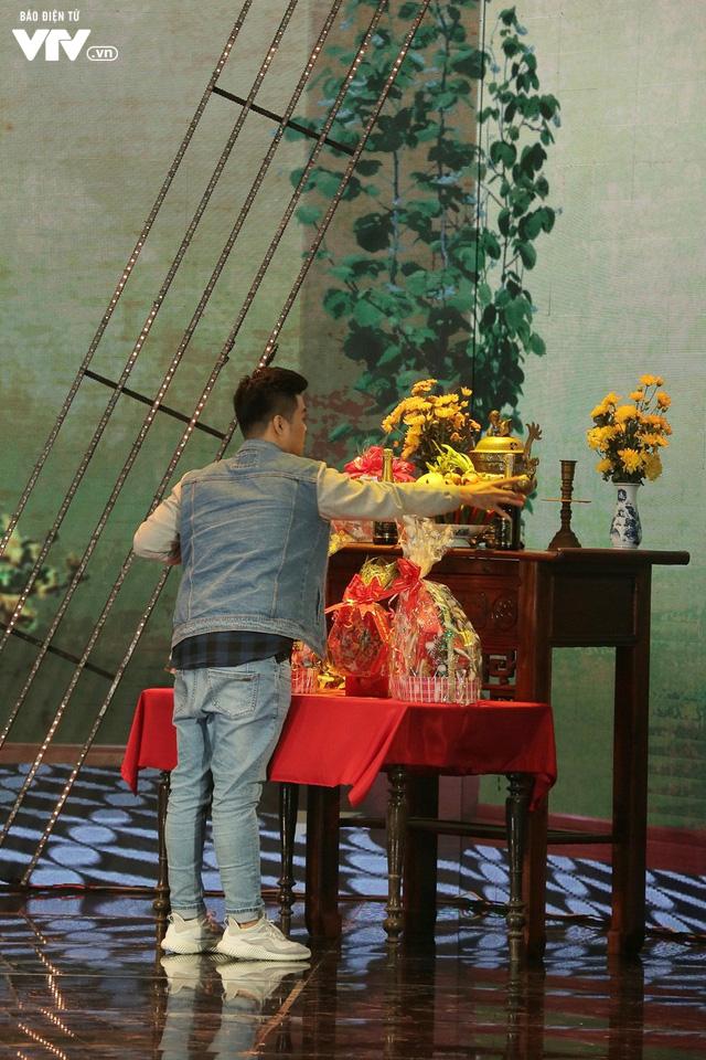 Gala cười 2020: Con trai Việt kiều bất ngờ về ăn Tết, Hồng Vân không kịp trở tay - Ảnh 5.