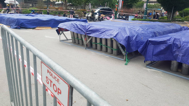 Cận cảnh trận địa pháo hoa tầm cao phục vụ đêm Giao thừa 2020 tại Hà Nội - ảnh 4