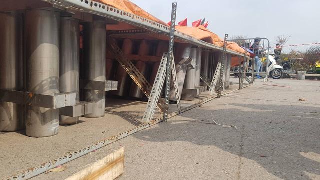 Cận cảnh trận địa pháo hoa tầm cao phục vụ đêm Giao thừa 2020 tại Hà Nội - ảnh 7