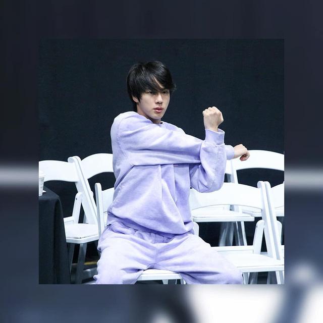 BTS thả thính fan với ảnh tập luyện nửa đêm - Ảnh 2.