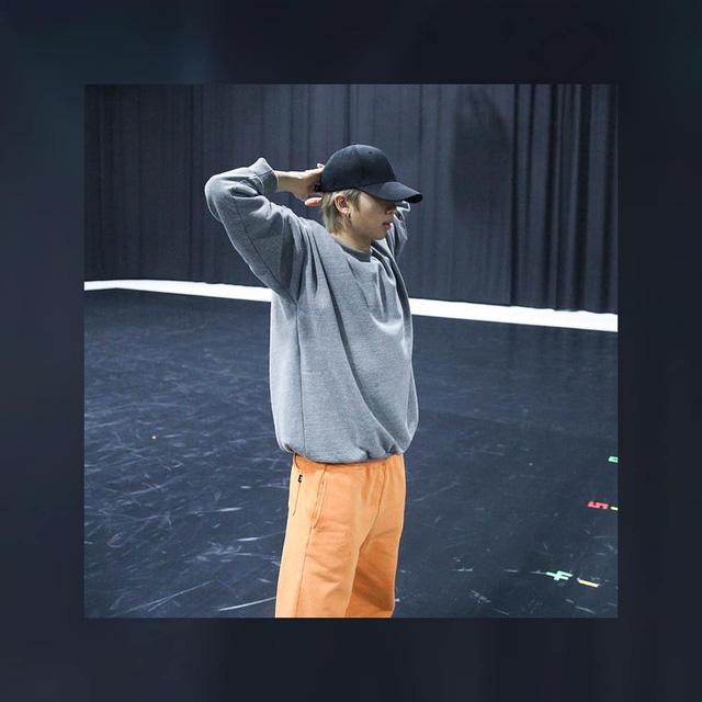 BTS thả thính fan với ảnh tập luyện nửa đêm - Ảnh 6.