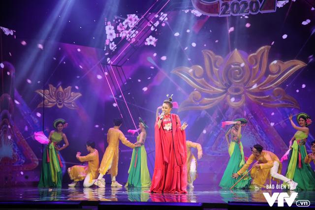 Hé lộ dàn ca sĩ góp mặt trong Gala cười 2020 - Ảnh 10.