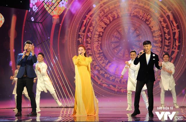 Hé lộ dàn ca sĩ góp mặt trong Gala cười 2020 - Ảnh 11.