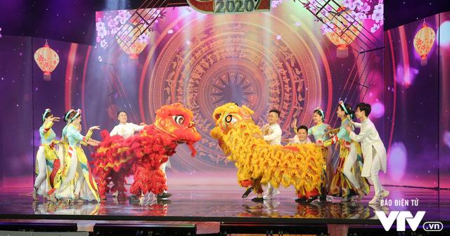 Hé lộ dàn ca sĩ góp mặt trong Gala cười 2020 - Ảnh 12.