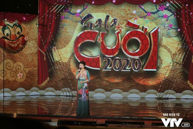 Gala cười 2020: Nguyệt Hằng dẫn chồng khờ đi hỏi vợ cho con trai - Ảnh 14.