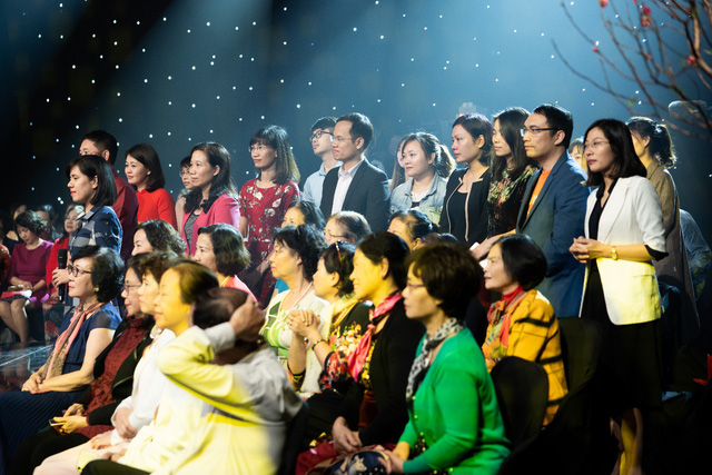 Cuốn sổ Tạ ơn cuộc đời và cuộc hội ngộ của cha con người dân tộc Tày cùng 50 ân nhân từng giúp đỡ - Ảnh 5.