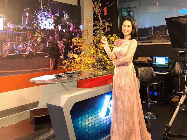 Nữ MC, BTV VTV diện áo dài duyên dáng dịp Tết - Ảnh 7.