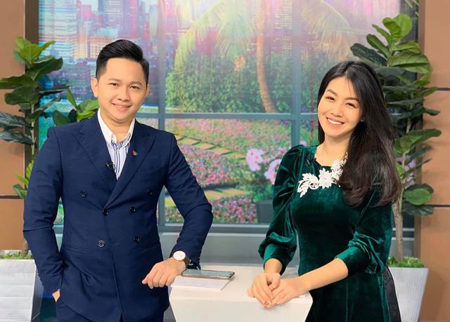 Nữ MC, BTV VTV diện áo dài duyên dáng dịp Tết - Ảnh 5.