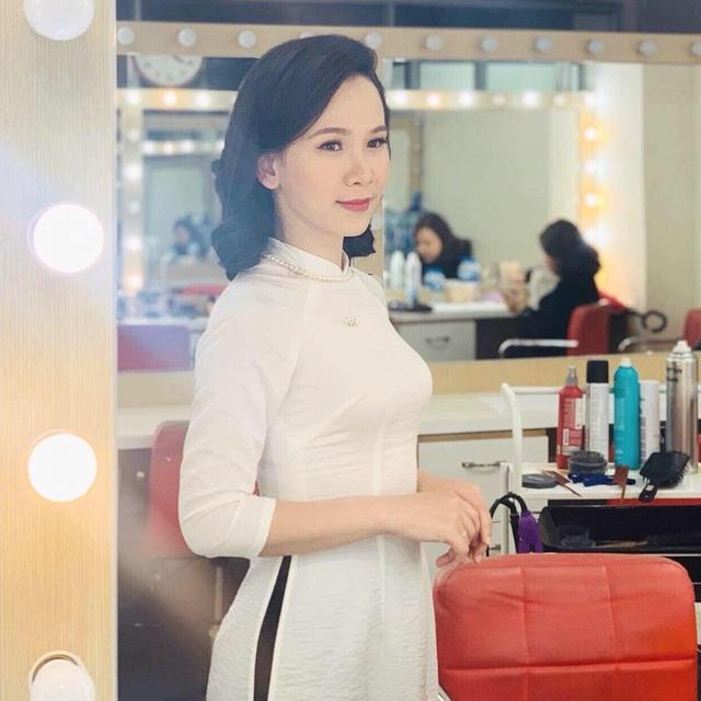 Nữ MC, BTV VTV diện áo dài duyên dáng dịp Tết - Ảnh 11.