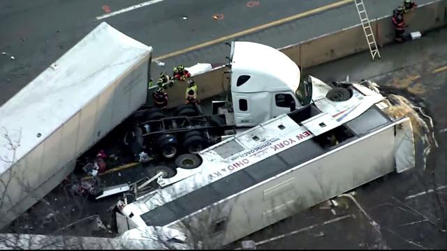 Tai nạn liên hoàn tại Mỹ, hơn 60 người thương vong - Ảnh 4.