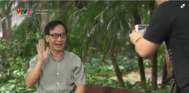 Gia đình 4.0: Anh Sáng (NSƯT Đức Khuê) nghỉ kênh bán hàng online, chị Chiều (DV Thanh Hương) tức giận tuyên bố nuôi chồng - Ảnh 1.
