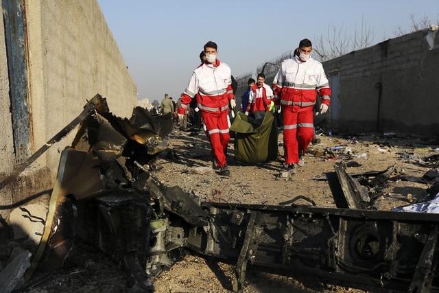 Iran và Mỹ tuyên bố khác nhau về hậu quả vụ không kích - Ảnh 6.