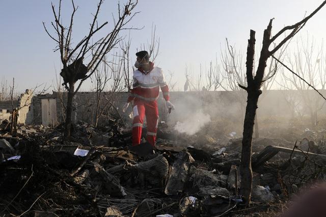 Iran và Mỹ tuyên bố khác nhau về hậu quả vụ không kích - Ảnh 7.