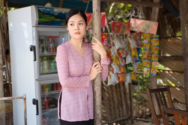 Dương Cẩm Lynh: Tôi không thể sống thoải mái nếu chỉ dựa vào tiền cát-xê đóng phim - Ảnh 2.