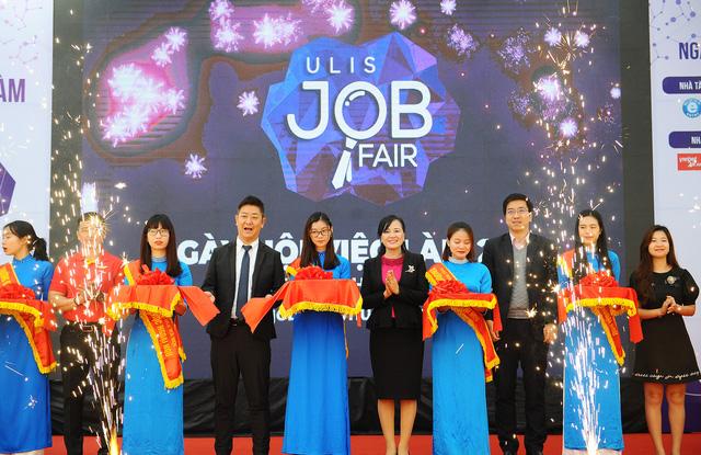Sôi nổi và ý nghĩa Ngày hội việc làm – ULIS Job Fair 2020 - Ảnh 2.