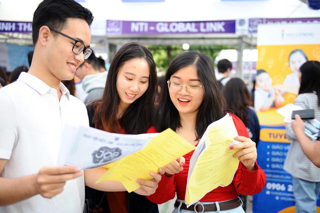Sôi nổi và ý nghĩa Ngày hội việc làm – ULIS Job Fair 2020 - Ảnh 9.