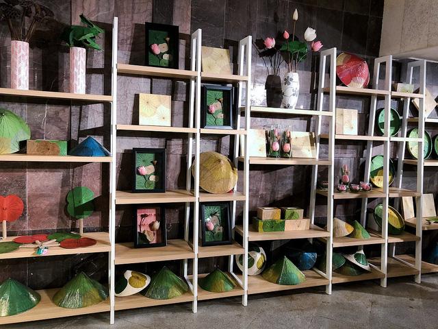 Cửa hàng lưu niệm Bảo tàng Hồ Chí Minh – Nơi hội tụ những món quà đặc sắc về Người - Ảnh 10.