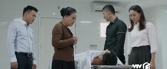 Hoa hồng trên ngực trái: Hóa ra chính Ngọc Quỳnh đề nghị biên kịch để Thái được chết một cách ý nghĩa - Ảnh 3.