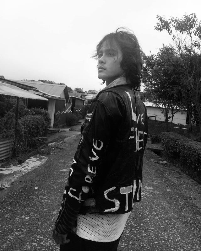 Mê mệt vẻ lãng tử của diễn viên Thanh Tùng Cát đỏ - Ảnh 5.