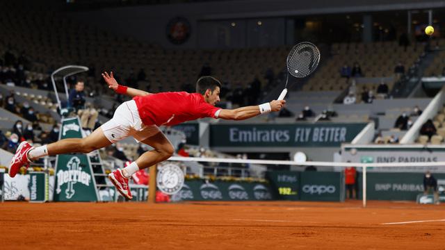 Pháp mở rộng: Thắng nghẹt thở Tsitsipas, Djokovic gặp Nadal ở trận chung kết trong mơ! - Ảnh 3.